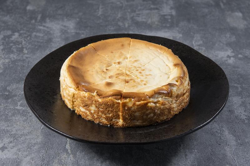 Sernik wiejski MAŁY (około 0,7 kg)