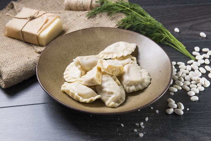 Pierogi z fasolą, ziemniakami i serem wędzonym (400g)
