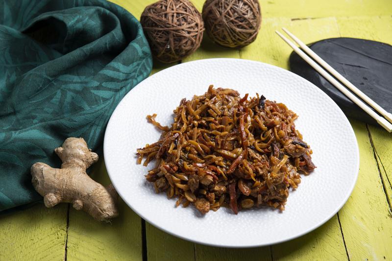 Kurczak z makaronem po chińsku (400 g)
