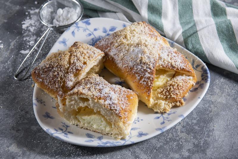 Drożdżówka z serem (1 szt)