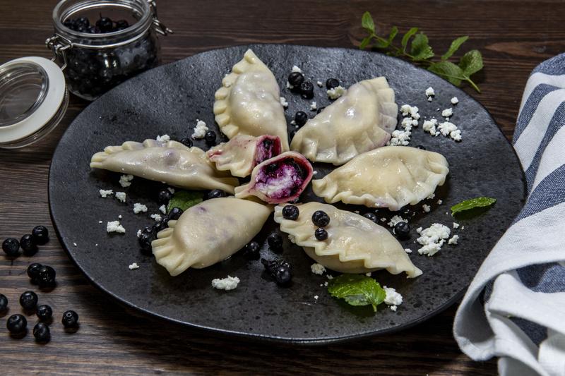 Pierogi z serem i jagodami (400 g)